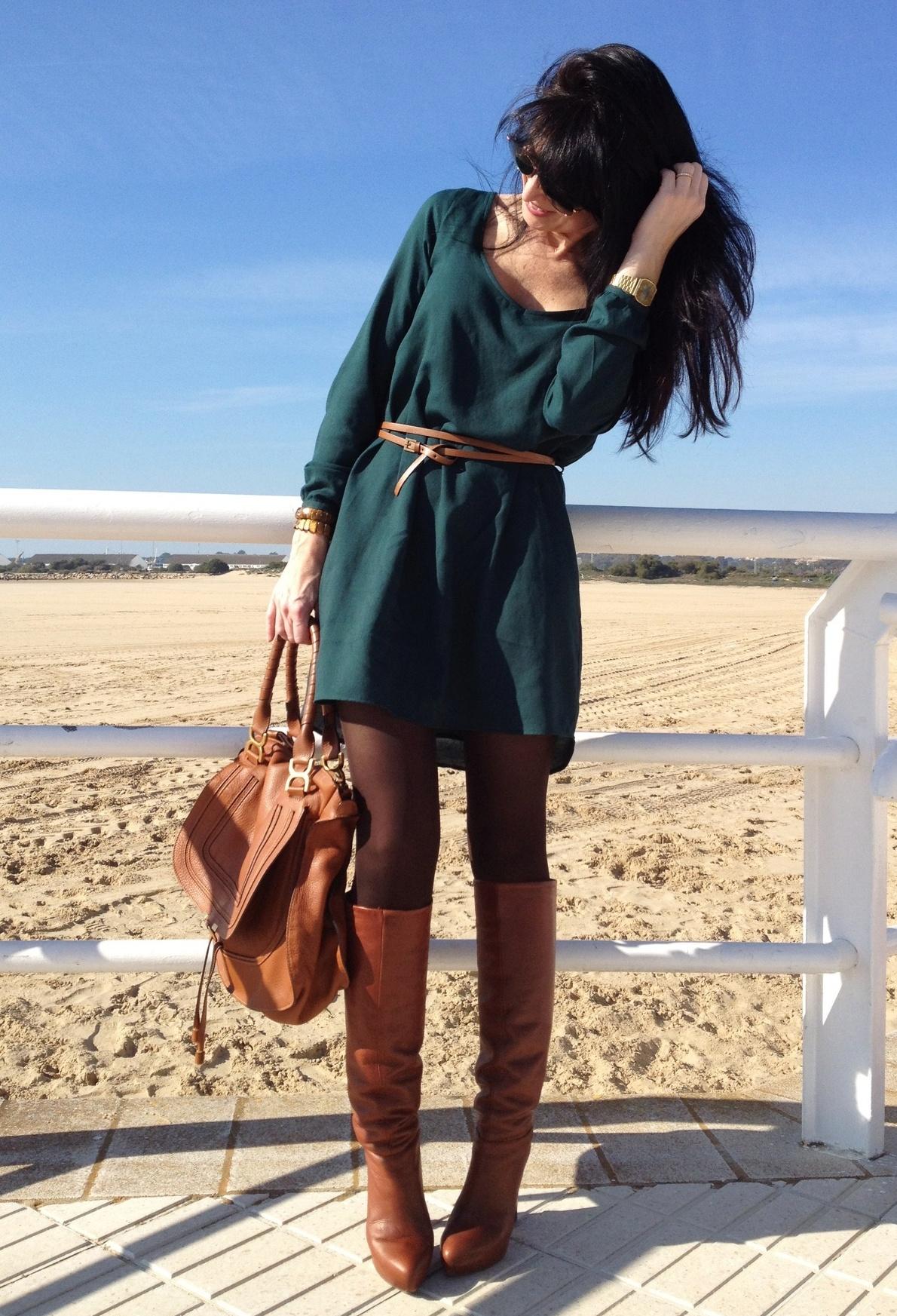 Фото модных платьев темно зеленого цвета 4