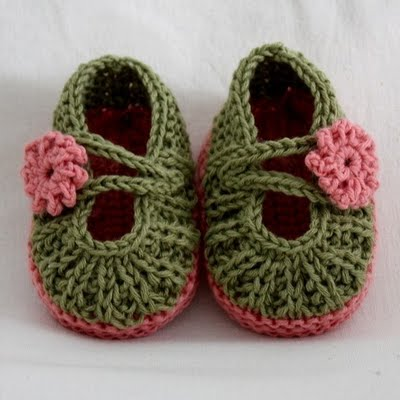 Crochet Tutorial Zapatitos : Crochet Baby Shoes - Video Tutorial PinPoint