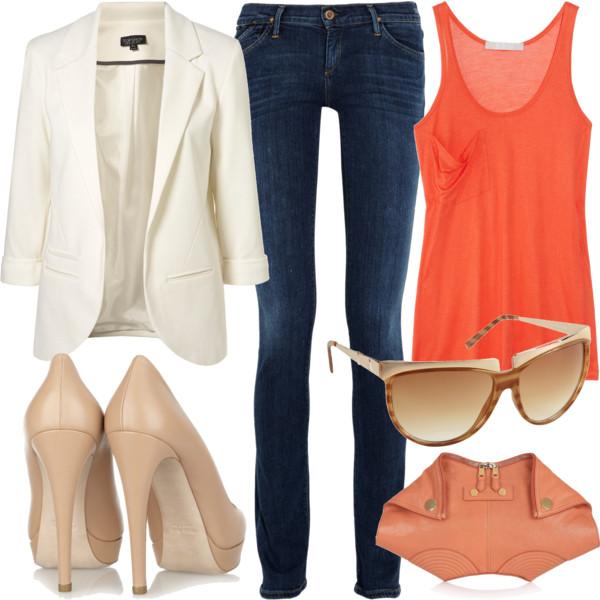 Комплекты одежды на моделях
