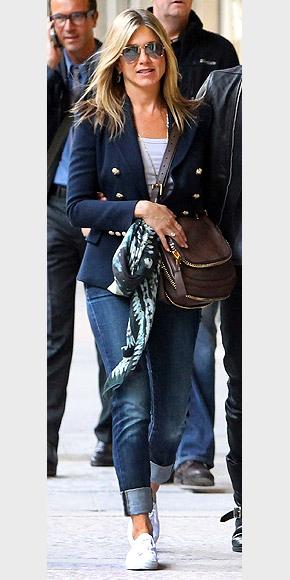 Jennifer Aniston Street Style Pinpoint