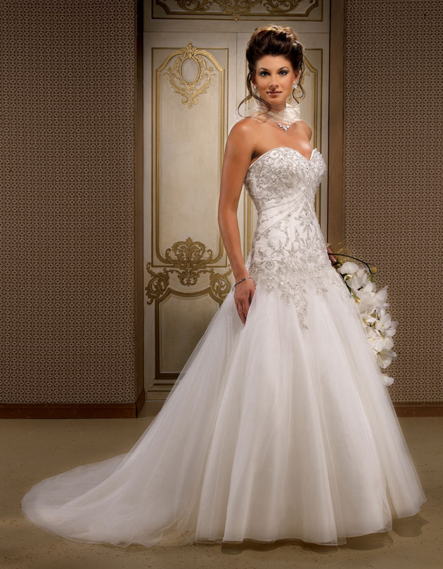 Gorgeous Sleeveless Ball Gown Floor Length Wedding Dress