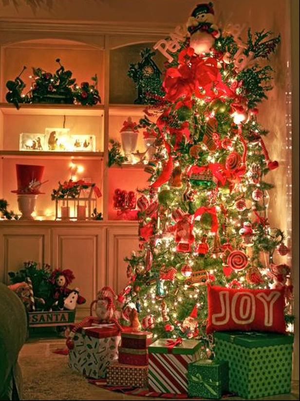15 Christmas Tree Decorating Ideas Decorating Hgtv Pinpoint