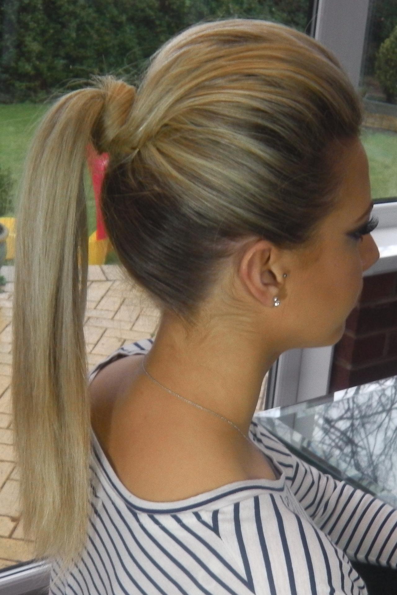 Фото хвост прически на длинные волосы