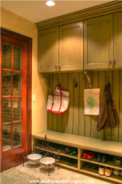 Mudroom ideas mudroom design mudroom lockers pinpoint for Locker decorations you can make at home