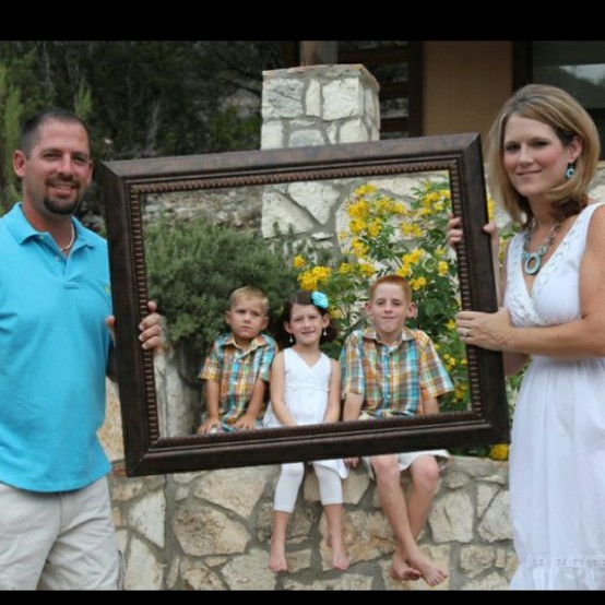 Family portrait poses pictures to pin on pinterest
