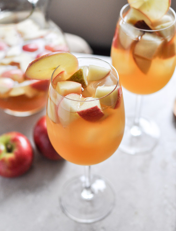 apple cider sangria–thanksgiving drink | PinPoint