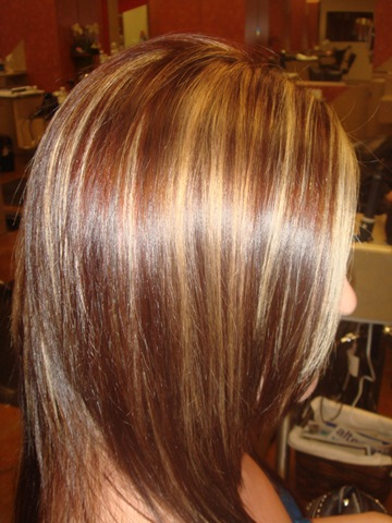 Auburn Hair With Chunky Blonde Highlights Pinpoint