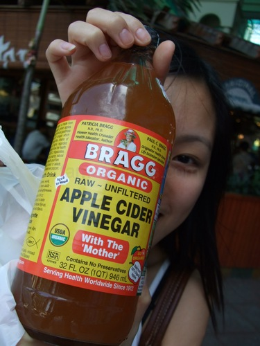 74 Benefits And Uses Of Vinegar….although #10 is strange.