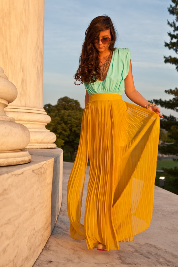 love the color contrast for summer
