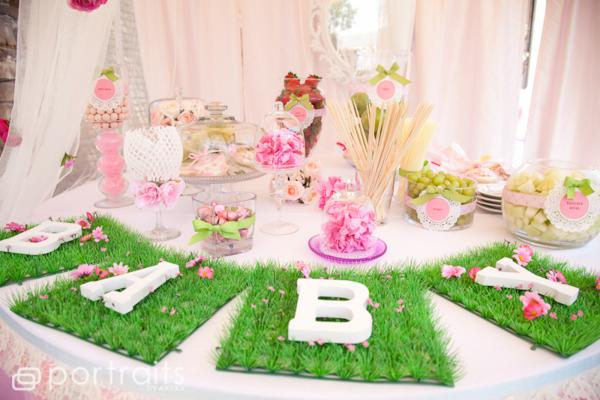 Cute baby shower pic.