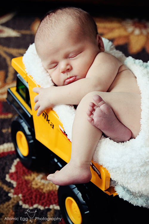 cute!!! So have to do this with my Dads old Tonka truck he saved for his grandch