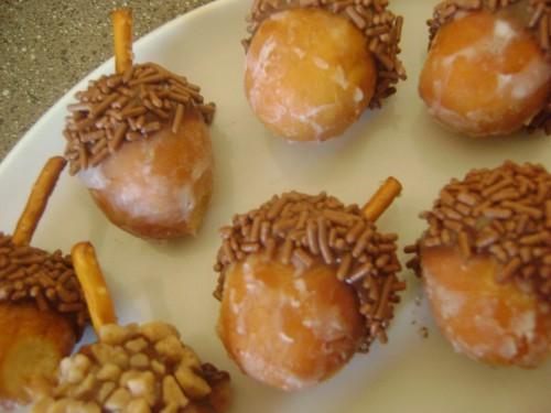 doughnut holes, nutella, sprinkles and pretzels make cute little fall acorn snac