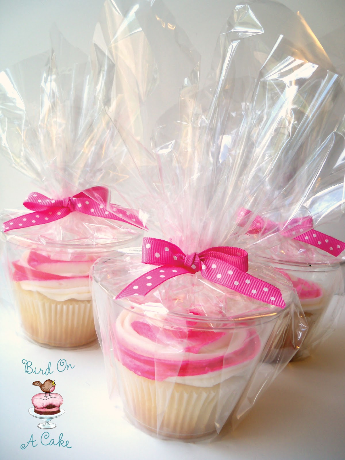 Clear short drink cups for packaging cupcakes – cheaper than boxes!