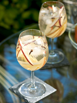 Fall Sangria with Champagne, Apples and Pears, Add a brown sugar rim and say hel