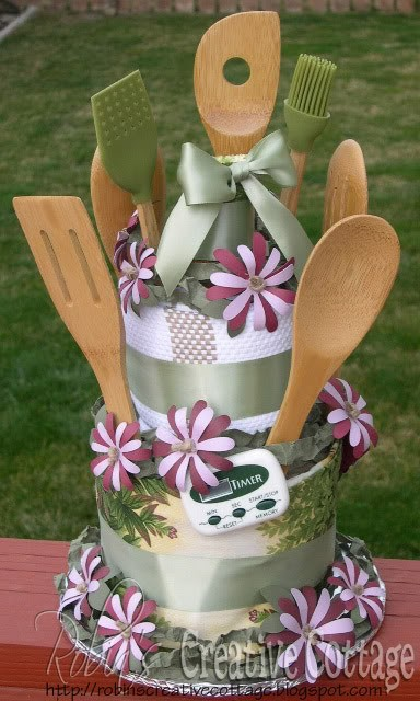 This woman has 100s of amazing ways to wrap gifts and crafty things. Check it ou