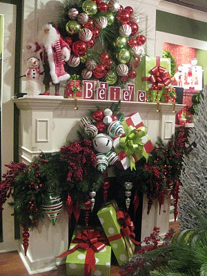 The site has all sorts of gorgeously decorated Christmas trees too!