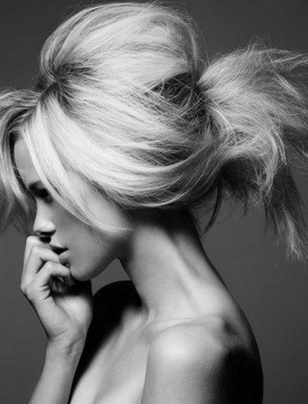 A great tutorial on 'How to Tease Your Hair'! Great tips!