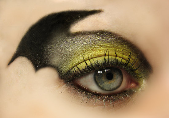 Batman eye makeup chrissty this is how you must do your makeup for halloween!