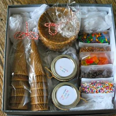 "with a tag that says ""just add ice cream""- such a cute family gift! I&"