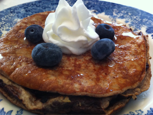Low-Cal, Protein-Packed, Gluten-Free, Flourless Banana Pancakes!
