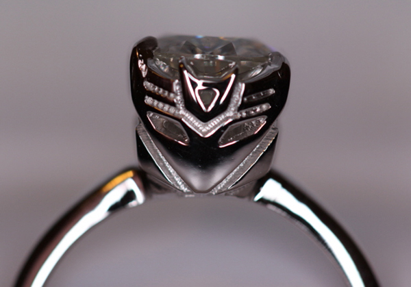 Transformers Engagement Ring: Geekery Undisguised….. pretty sweet!