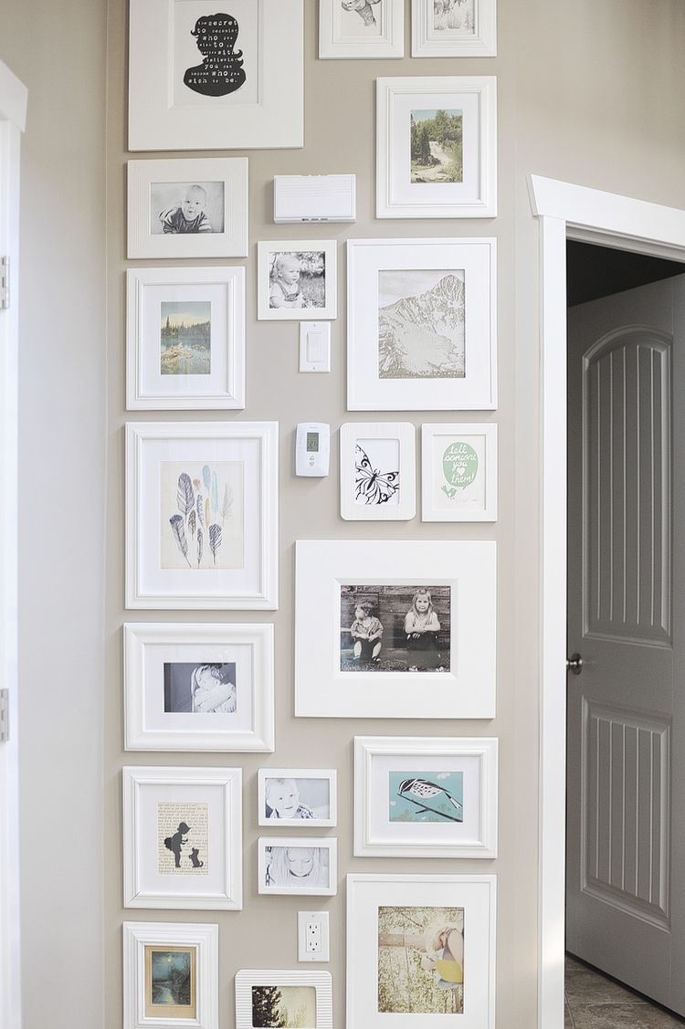 small space collage/picture wall