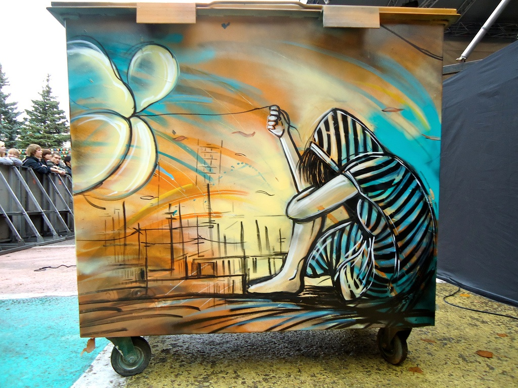 Street art by Alice Pasquini, Roma, Italy.