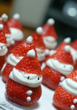 Strawberry Santas – definitely going to make these for Xmas this year!