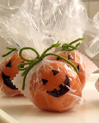 Pumpkin pie play-dough instead of candy for a school treat