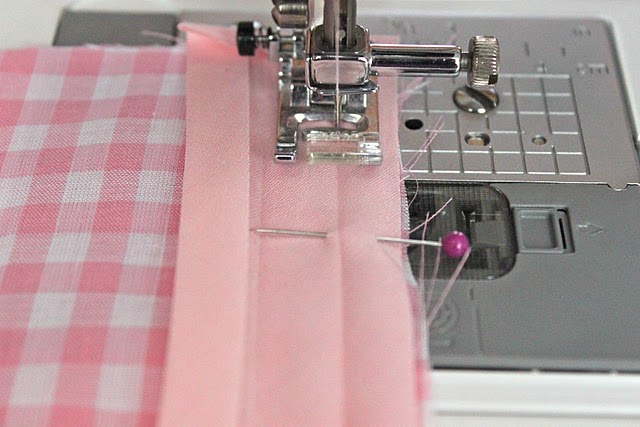 The right way to sew on bias tape. I never knew I was doing it wrong. Now I see