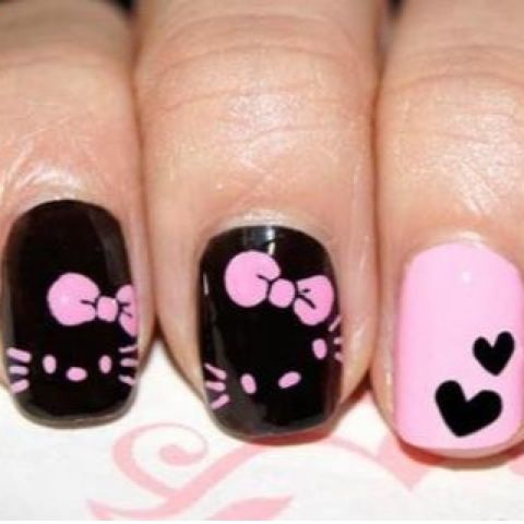 Hello Kitty in black & pink nail art