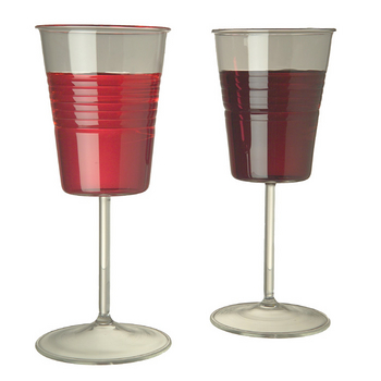 SOLO Cup Wine Glasses… Not the classiest, but a good idea nonetheless