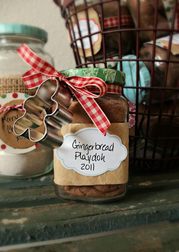 Gingerbread Playdough  (plus a pumpkin spice version too)