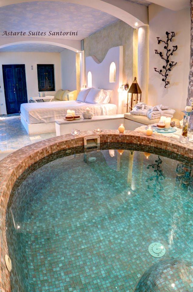 Honeymoon suite with private couples Jacuzzi @ Astarte Suites Santorini
