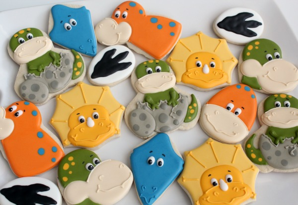 ADORABLE!!!! Baby Dinosaur Cookies. She shows what cutters she used to make thes