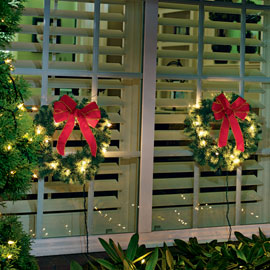 Lighted Mini Wreaths – Indoor or outdoor holiday decorations | Solutions