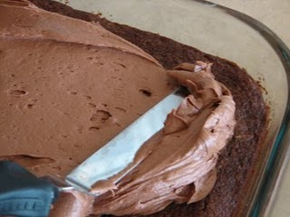 Chocolate cream cheese frosting – no fail quick easy frosting.