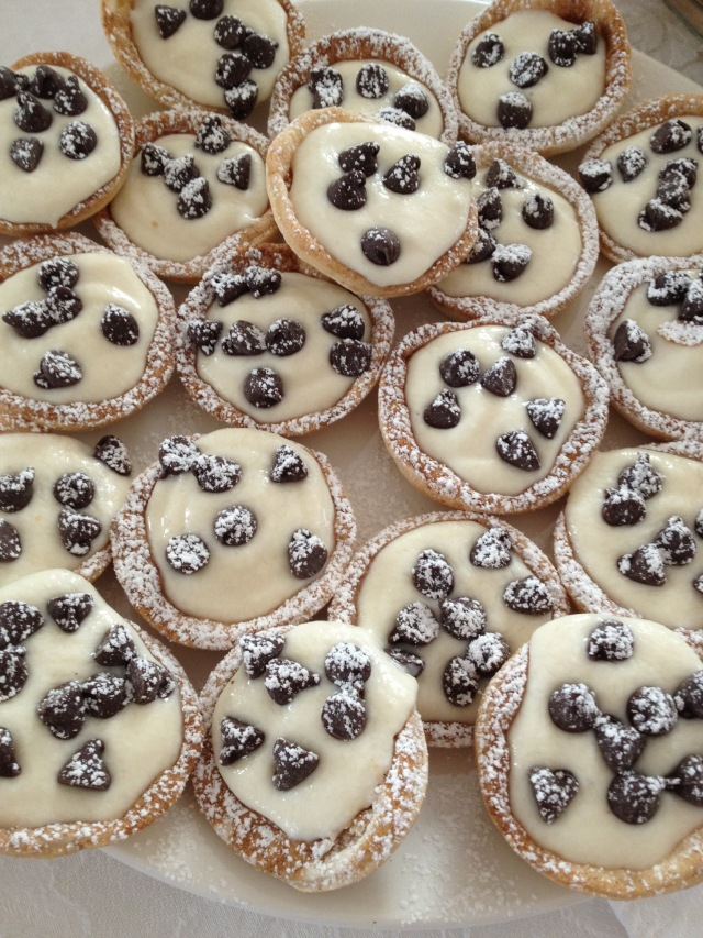 Cannoli lovers will love this one: Cannoli Cups!