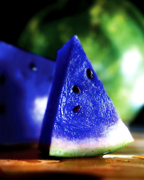 This a Moonmelon, scientifically knows as asidus. This fruit grows in some parts