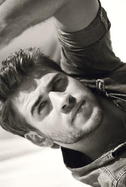 mmm. Liam Hemsworth