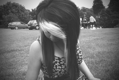 Cute side bangs((: