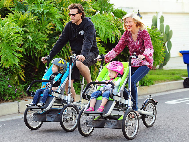 Shut up. Bike Stroller?! So awesome!