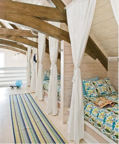 ♥ ♥ ♥ !  Built-in beds always remind me of Seven Brides for Se