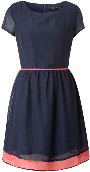 Navy and coral.  Love!