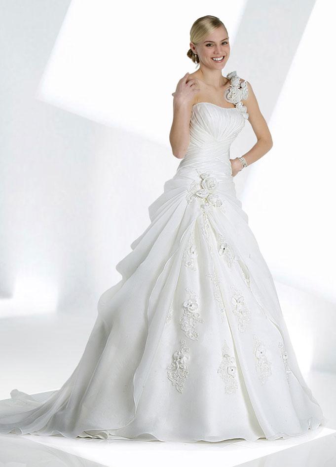 wedding dress,wedding dress,wedding dress