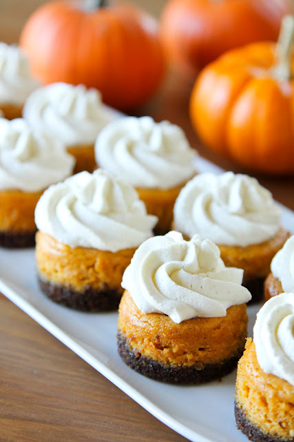 Life {Made} Simple: Mini Pumpkin Cheesecakes with Gingersnap Crusts