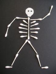 Preschool Halloween craft… Q-tip skeleton