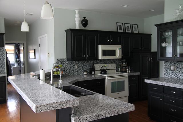 I want black kitchen cupboards