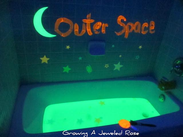 glow in the dark bath.
