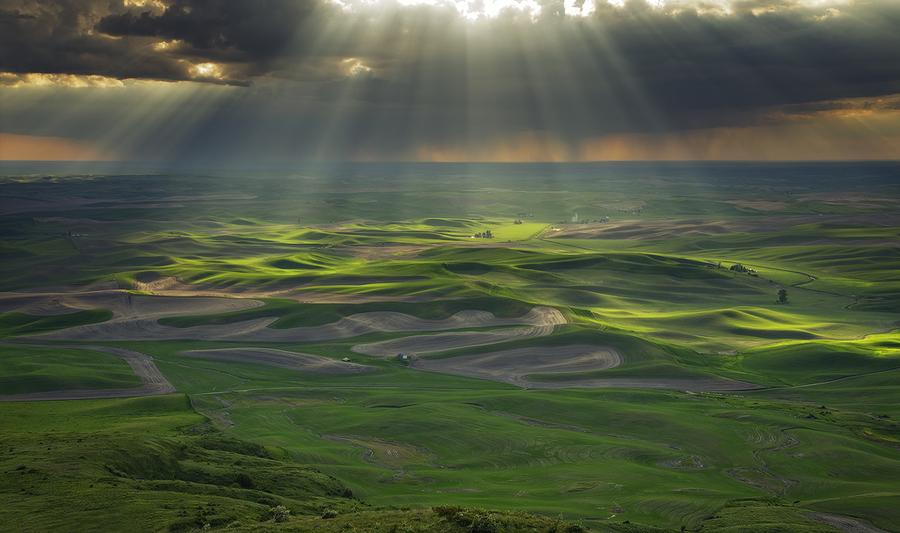 "Light Beams.  ""The Palouse HIlls, at Steptoe Butte State Park. Wa.""  b"